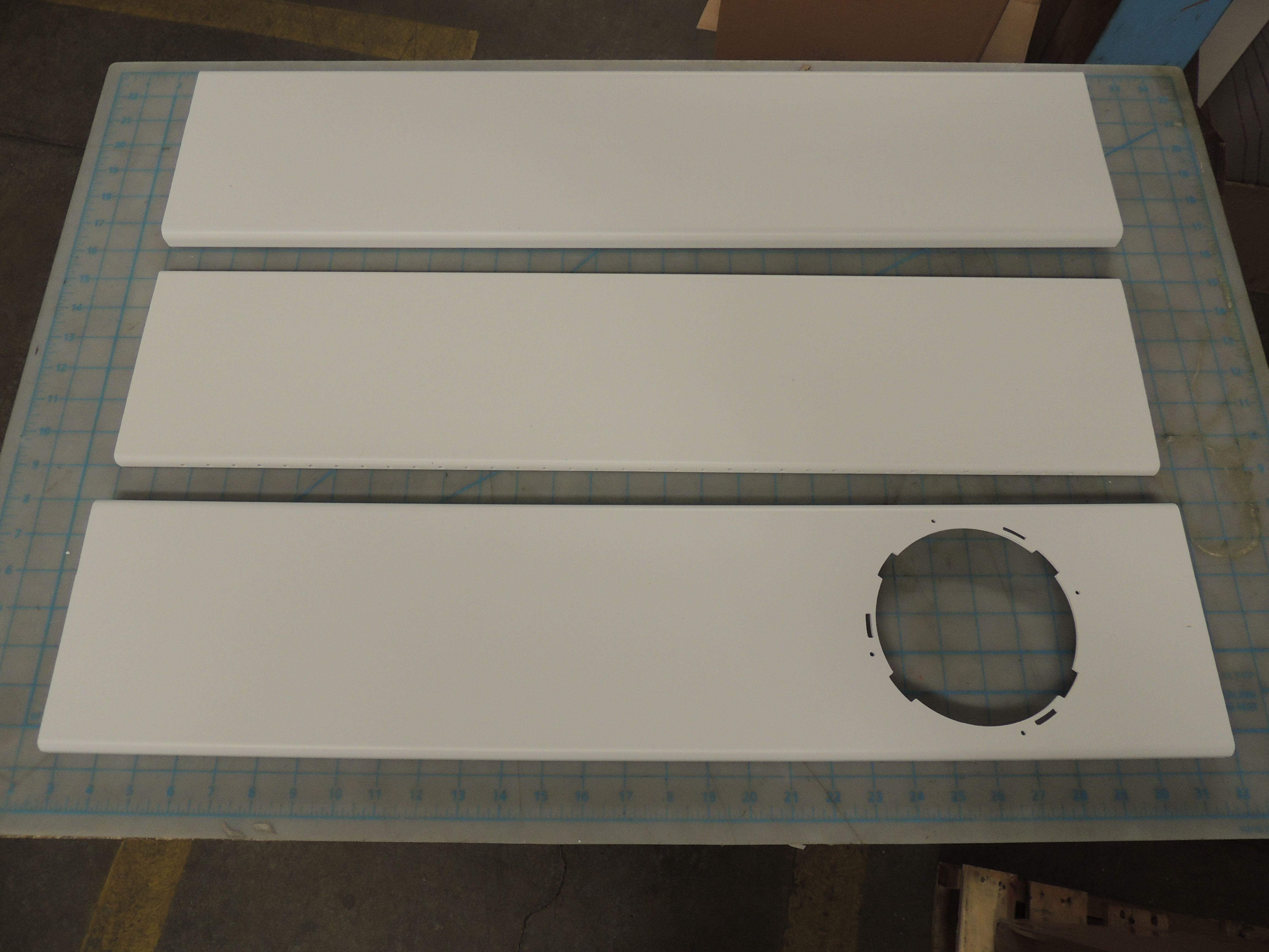 Window sealing board assembly