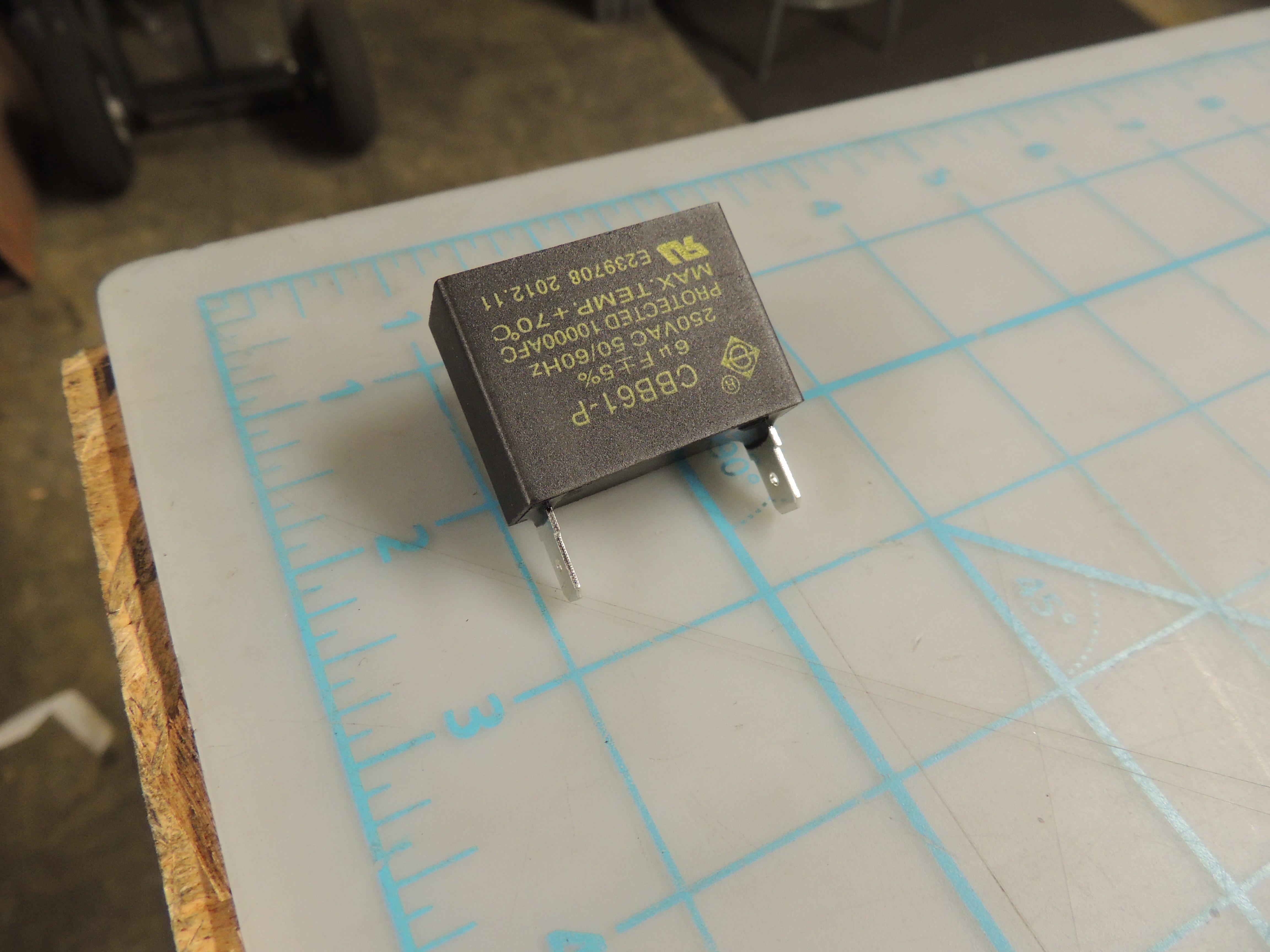 DPAC MOTORCAPACITOR(6UF/250V)